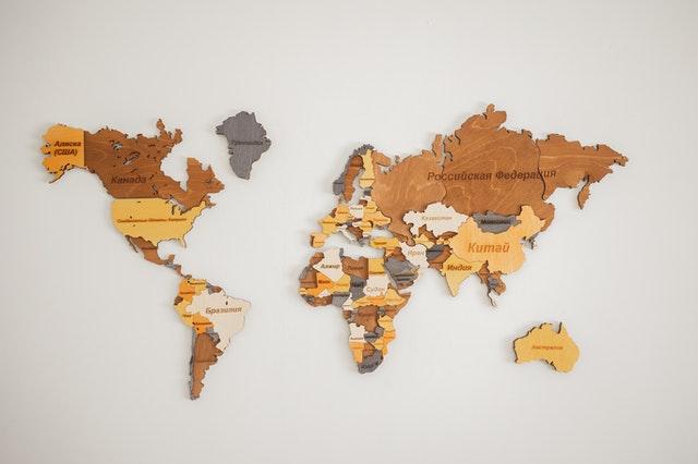 Een wereldkaart als wanddecoratie bij jou thuis